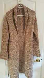 Long cardigan very cozy like new only 10 dollars   paid $35 Windsor Region Ontario image 1