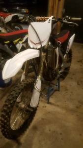 2011 yzf250f  mint condition
