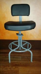 "5 New Medical/Lab ""MUR-VAN' Stools/Chairs"