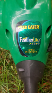 "Weed eater FeatherLite, 16"", 25cc engine"
