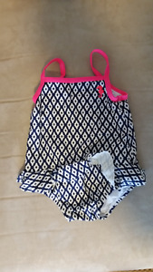 Girls one piece swimsuit (Size: 6 mth)