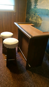 Old bar with x2 stools