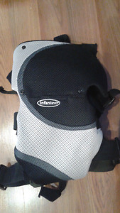 Baby carrier excellent condition thick shoulder straps and back