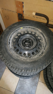 Gislaved nord frost 185/65 R15 winter tire. Pneu hiver