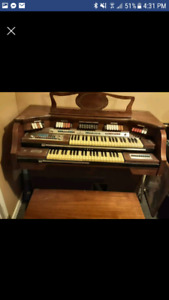 Baldwin Fanfare Deluxe Organ with Bench