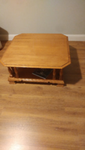 Roxton solid maple coffee table. Check other ads