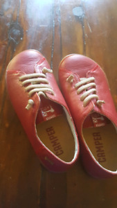 Red camper girls 31 eur never worn