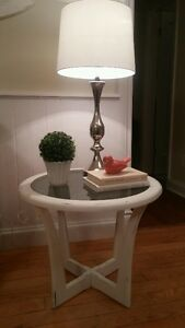 2 WHITE SIDE TABLES!!!!!!