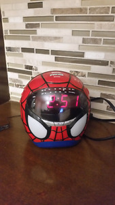 Spider-Man Face Projection Clock Radio Rare Marvel