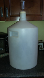 Wine Fermentaion Canister