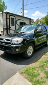 2007 TOYOTA 4 RUNNER WITH 110.000 KM IN EXCELLENT CONDITION.