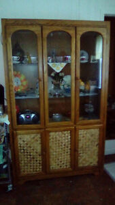 matching kitchen table with 4 chairs and china cabinet Belleville Belleville Area image 3