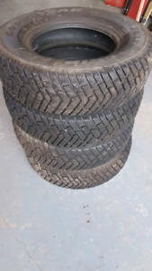 4 Goodyear Ultra Grip Winter Tires 215 75 15