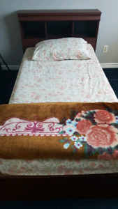 Twin /single bed with mattress