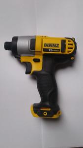 DeWalt 12V MAX Cordless Drill/DriverDSF 815 BRAND NEW