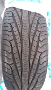 CREVAISON!Vous Cherchez (1)pneu seul d'hiver!Voici nos grandeurs