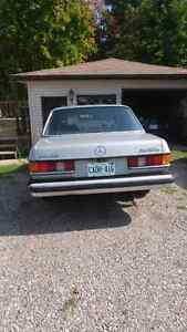 Mercedes 1977 300D London Ontario image 2