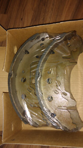 2003 Dodge Grand Caravan rear brake shoes