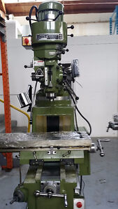 Vertical milling machine 10 x 50 table W /DRO
