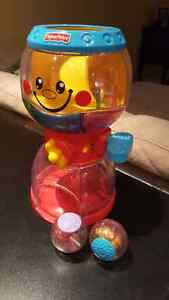 Fisher price gumball toy with 4 balls