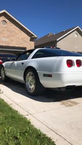 1993 Corvette *low kms 6 speed*