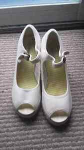 Classified white sandals size 10