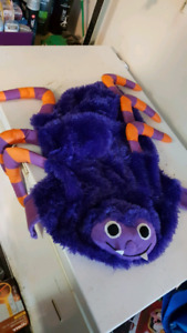 Halloween bug / spider pet costume