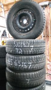 4 bon pneus hiver 195 65 14 avec roues 5x 114. 3