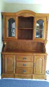 Solid Wood China Cabinet/Hutch