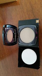 Arbonne Sheer Pressed Powder (brand new) in Dark