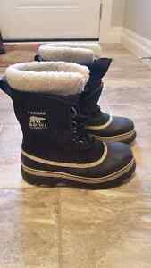 Women's Sorel Waterproof winter boots Size 9