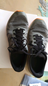 New balance running shoes size 27cm UK 8 US 10 Windsor Gardens Port Adelaide Area Preview