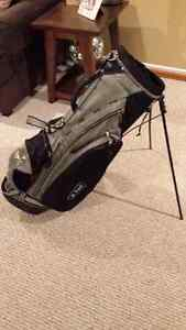 Beautiful Dunlop golf bag slightly used excellent condition
