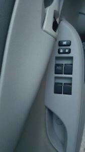 2010 Toyota Corolla CE très propre à voir !
