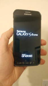 Samsung S5 Active - Almost New