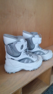 Size 8 Ladies winter boots