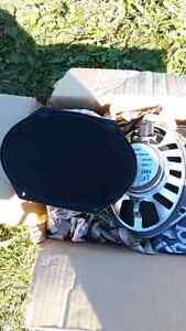4 -oem ford 6x9 speakers