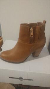 Real leather Aldo fashion boots