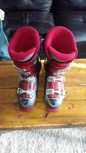 Men's downhill ski boots for sale size 10/Bottes de ski homme 10