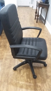 New Price! DESK/COMPUTER CHAIR