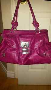 women's guess purse. Stratford Kitchener Area image 1