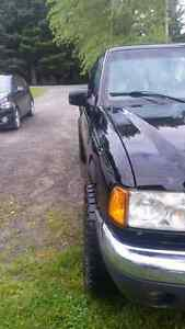 FORD RANGER XLT 4X4 3200$ NEGOCIABLE
