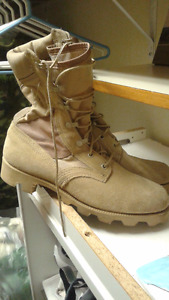 Article militaire NEUF (bottes,chandail,Manteau..) + 50% OFF