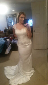 Beautiful Size 8 wedding dress for sale!