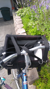 Bicycle bag for dog / panier pour chien