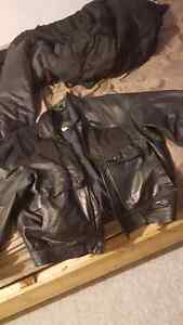 XL Sears Leather Jacket 20$