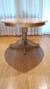 oak dining table, 2 extensions & 6 press-back chairs