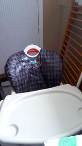Chaise haute pour bébé 15$