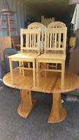 Solid Pine Dining Table With 5 Chairs