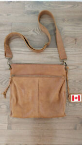 ROOTS Tribe Leather Cross Body Messenger Purse